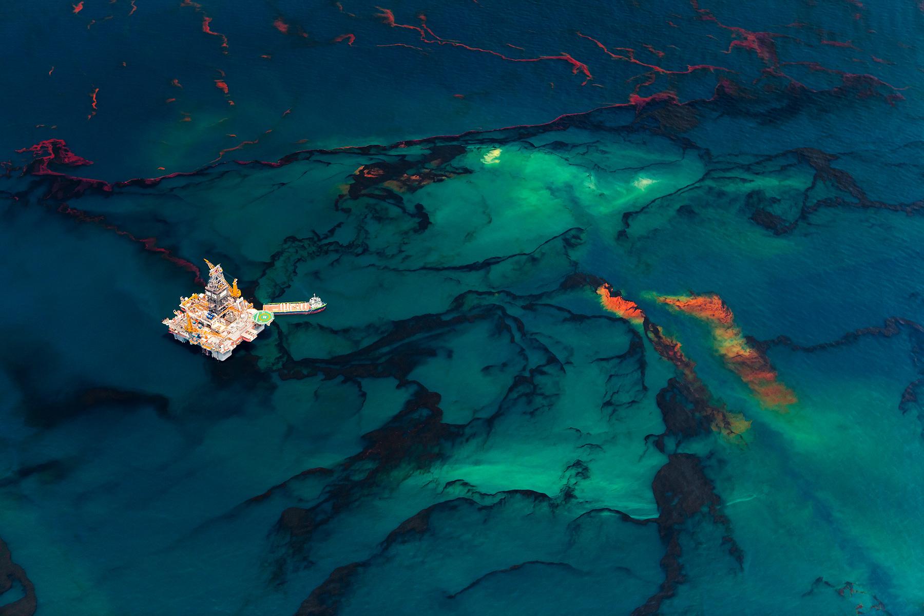 Daniel Beltrá, Oil Spill #4